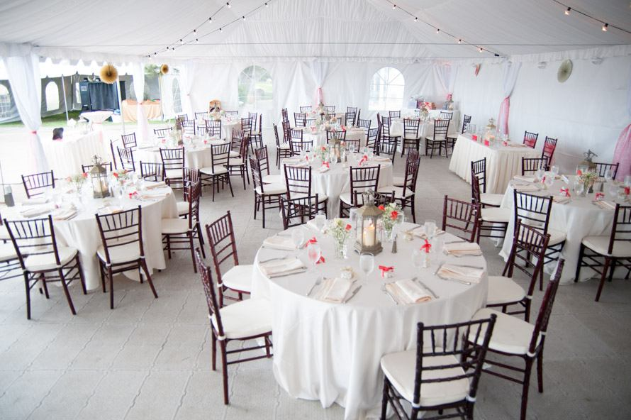 mountain weddings in the white tent