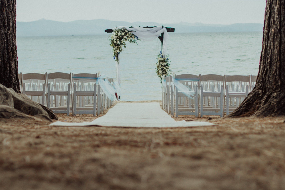 lake tahoe wedding on the sand