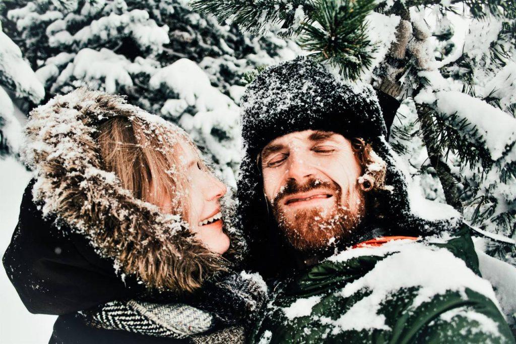destination wedding snow couple