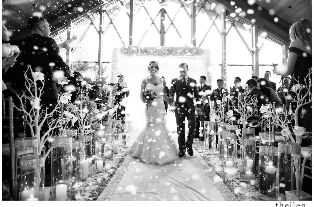 A Holiday-Themed Wedding: Don't Overlook These Details
